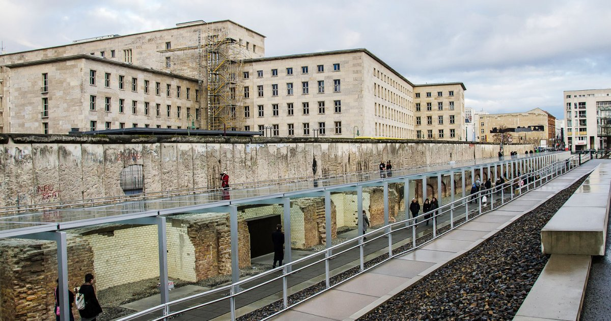 TOPOGRAPHY OF TERROR, PRESENTATION