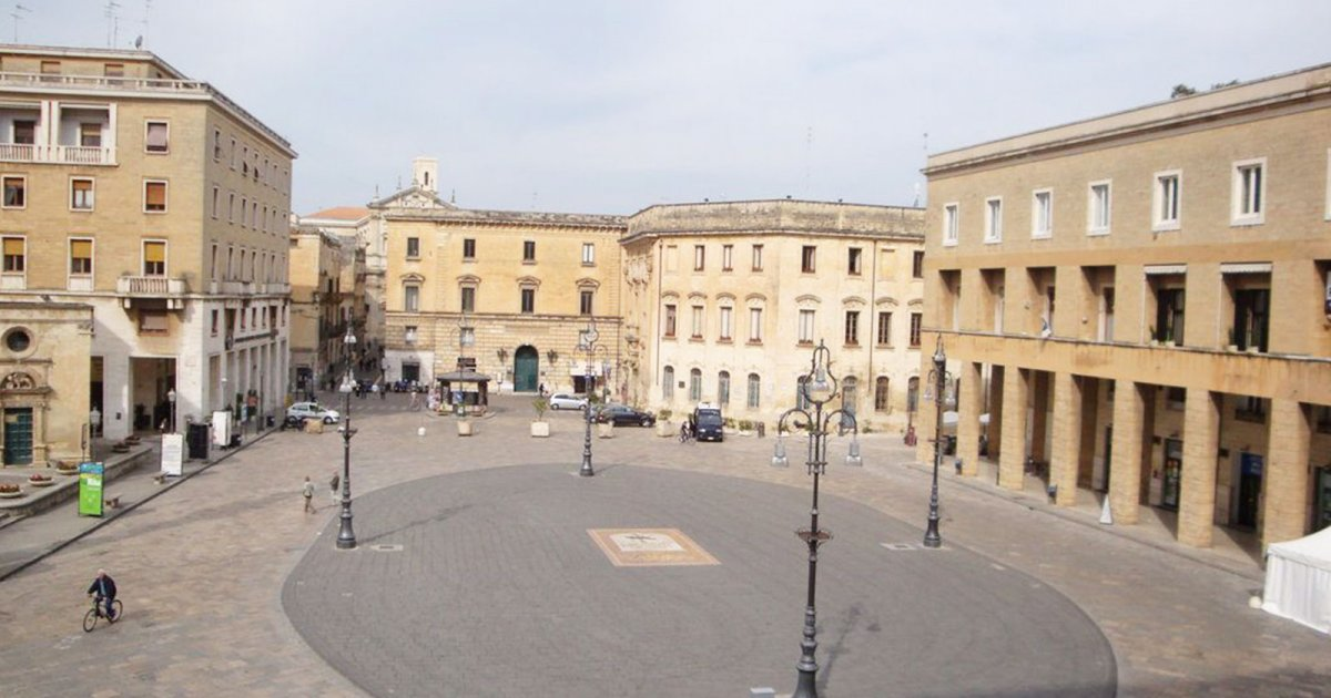 PIAZZA SANT'ORONZO, Erster Teil