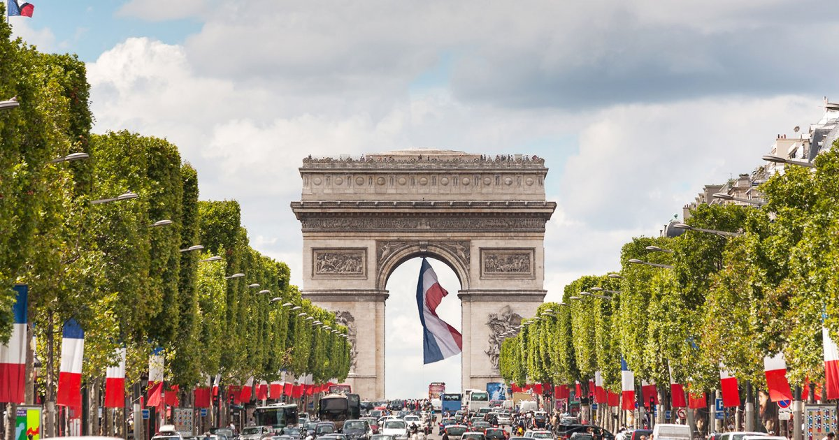 CHAMPS ELYSEES, CONCLUSIONE