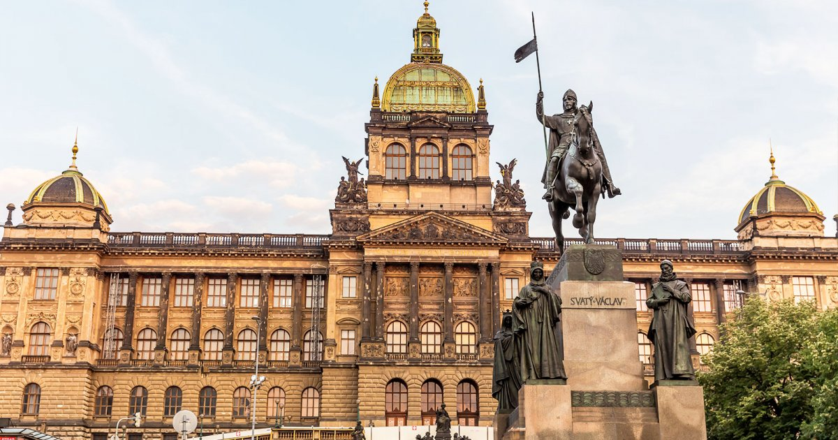 WENCESLAS SQUARE, TOUR