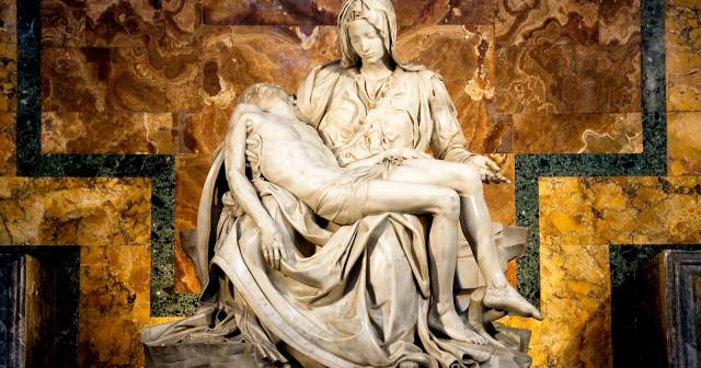 INTERIOR AND MICHELANGELO PIETA'